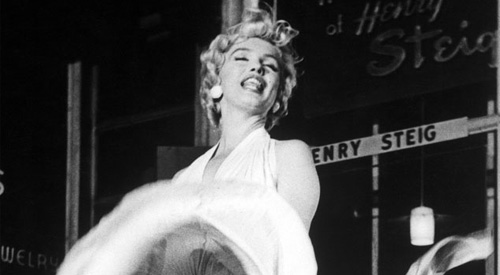 Kam Den Unter Kleid MonroeIhr Weißes Marilyn Hammer 8XPOkwn0NZ