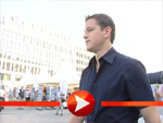 Matt Damon zu Besuch am Brandenburger Tor in Berlin