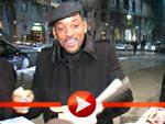Will Smith gut gelaunt im eiskalten Berlin