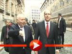 Fürst Albert II. macht spontan einen Spaziergang durch Dresden