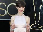 Anne Hathaway: Entschuldigt sich für Oscar-Outfit