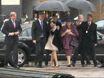 Königin Beatrix und Prinzessin Maxima: Stiefeln durch den Regen in Berlin!