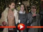 Klaus Lemke protestiert am Berlinale-Teppich