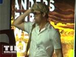 Brad Pitt in Berlin gelandet: Ankunft am Flughafen, einchecken in der Hotel-Garage!