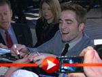 Robert Pattinson badet in seinen Fans