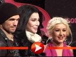 Frieren zur Premierenfeier: Cast von Burlesque im Schneetreiben auf dem roten Teppich!