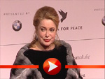 Catherine Deneuve bei der Cinema for Peace Gala 2009