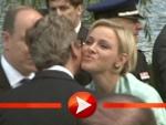 Fürstin Charlène gibt Guido Westerwelle ein Küsschen
