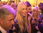 Shopping-Nacht: Claudia Schiffer drängelt sich durchs KaDeWe