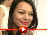 Cosma Shiva Hagen ist mit ihrem Handy verheiratet
