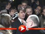 Tom Cruise schreibt Autogramme bei der Premiere von Löwen und Lämmern