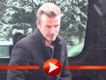 David Beckhams verschneite Ankunft im Berliner Shopping-Center