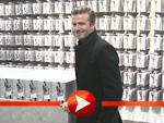 David Beckham posiert vor seiner Unterwäsche und spricht über seine Fans