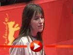 Charlotte Gainsbourg mit der Berlinale-Jury auf dem roten Teppich