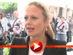 Barbara Schöneberger wäscht lieber Wäsche als EM zu gucken