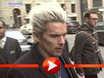 Ethan Hawke mit wasserstoffblonden Haaren in Berlin