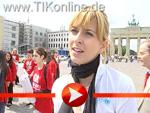 Statement von Eva Padberg am Rande der G8 -Gebt Acht!-Demo in Berlin