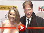 Jürgen Prochnow mit seiner Ehefrau bei der Goldenen Kamera