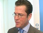 Karl-Theodor zu Guttenberg: Verzichtet vorerst auf Doktortitel