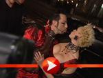 Harald Glööckler schmust und küsst mit Brigitte Nielsen