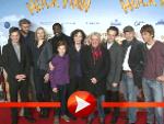 Die Film-Crew von Huck Finn hat Spaß auf dem roten Teppich