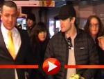 Jake Gyllenhaal kämpft sich durch Fan-Massen in Berlin