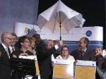 Joachim Gauck trifft Susanne Klatten: …und ein verflixter Regenschirm!
