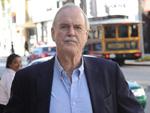"""John Cleese: Darum ist er kein Fan der neuen """"Bond""""-Filme"""