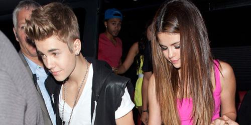 Justin Bieber Mutter Hofft Auf Gomez Vers 246 Hnung