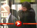 Keanu Reeves unrasiert in Berlin gelandet