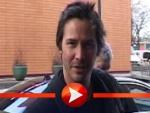 Keanu Reeves in der Drehtür gefangen