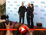 Die Fotografen sind verzückt von Winona Ryder, Kevin James und Ron Howard