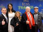 """Promis auf der Suche nach dem Prinzen: """"Küss den Frosch""""-Premiere in Hamburg"""