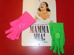 Original Mamma Mia-Kostüme ersteigern: Und kerbskranken Kindern helfen!