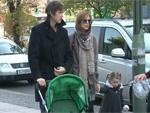 Milla Jovovich zeigt ihr süßes Töchterchen: Familienausflug in den Berliner Zoo!