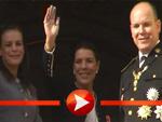 Die Fürstenfamilie Grimaldi winkt am Nationalfeiertag vom Balkon