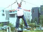 """""""Oben""""-Fototermin der besonderen Art: Dirk Bach geht in die Luft"""