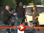 Olivia Wilde radelt auf einem Fun-Bike durch Berlin