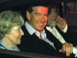 Pierce Brosnan: Mit Mutter in Berlin!