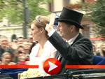 Preussen-Hochzeit: Das glückliche Paar auf Kutschfahrt durch Potsdam
