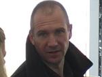 Ralph Fiennes: Götter-Rolle mit viel Humor