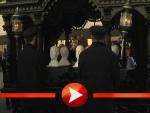 Der Rammstein-Trauerzug auf dem Weg zum Mausoleum