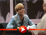 Rihanna bei ihrer ersten Autogrammstunde in Deutschland