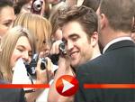 Robert Pattinson kuschelt mit seinen Fans
