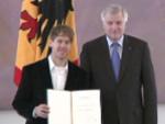 Sebastian Vettel: Silbernes Lorbeerblatt und eine Unterschrift von Christian Wulff