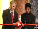 Shah Rukh Khan bekommt einen Erinnerungs-Bären