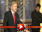 Klaus Wowereit preist Shah Rukh Khan