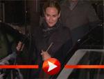 Diane Kruger verlässt gut gelaunt ein Restaurant in Berlin