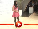 Die Schwangere Shermine Shahrivar zeigt ihren runden Babybauch
