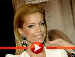 Sylvie van der Vaart: Mit neuer blonder Mähne auf der Fachmesse